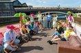 """DGB-Aktion zur Urlaubszeit: """"Rente muss für Urlaub reichen!"""", DGB-Kampagnenfloss auf der Spree im Regierungsviertel"""